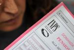 COMMERCIANTI E ARTIGIANI: «UN MALE INDISPENSABILE»  dicembre 2011